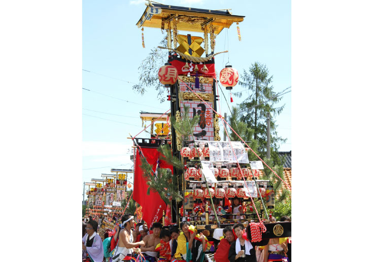 """Kiriko"" carried out as a guiding light of mikoshi (portable shrine)"